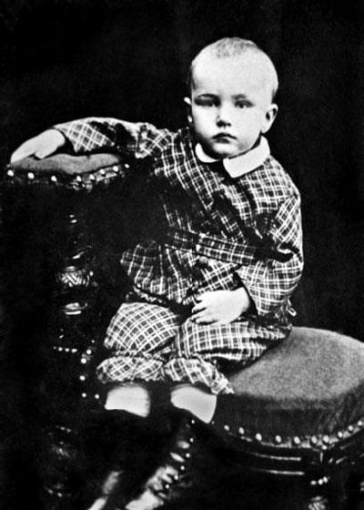 nikolaj-rerih-v-detstve
