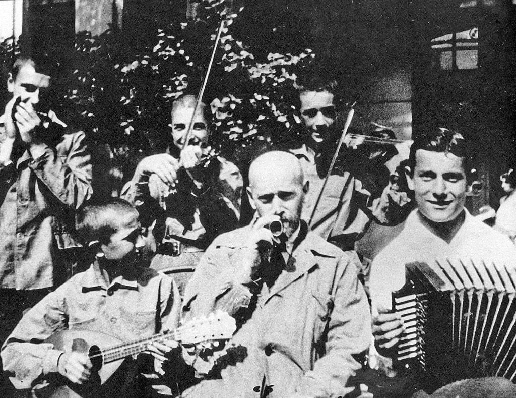 orkestr-doma-sirot-pod-upravleniem-yanusha-korchaka