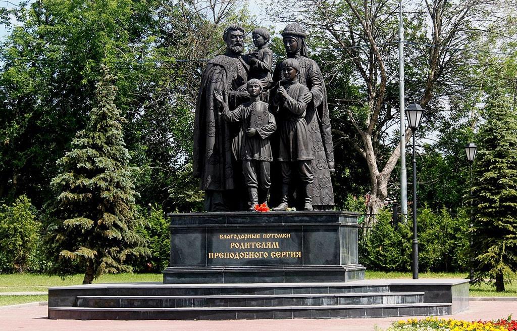 pamyatnik-roditelyam-sergiya-radonezhskogo