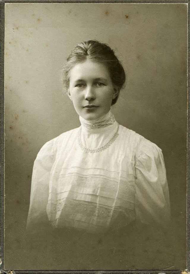 portrety-devushek-nachala-20-veka-10