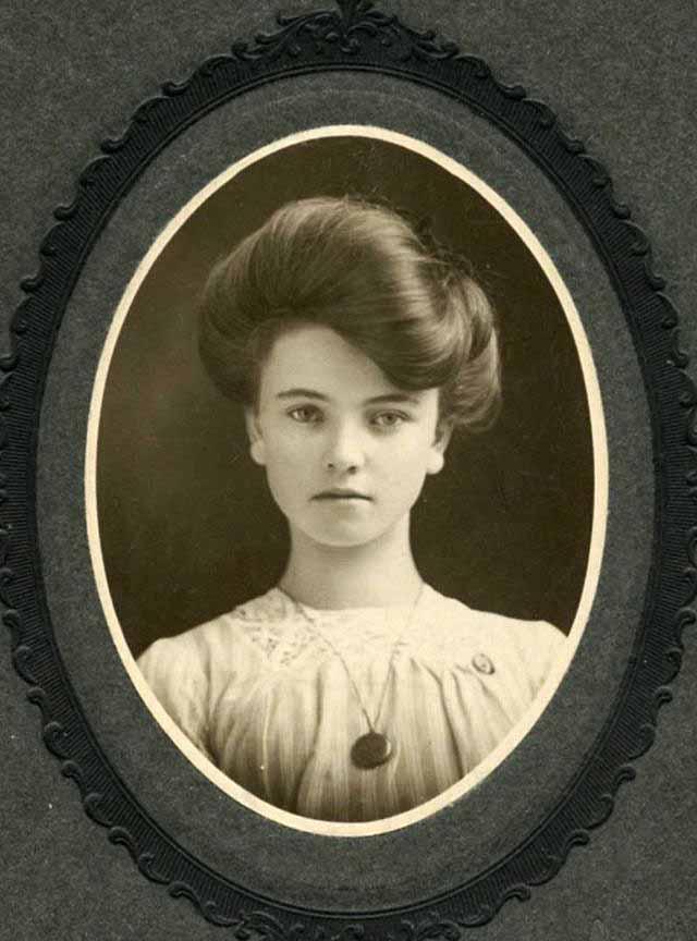 portrety-devushek-nachala-20-veka-7