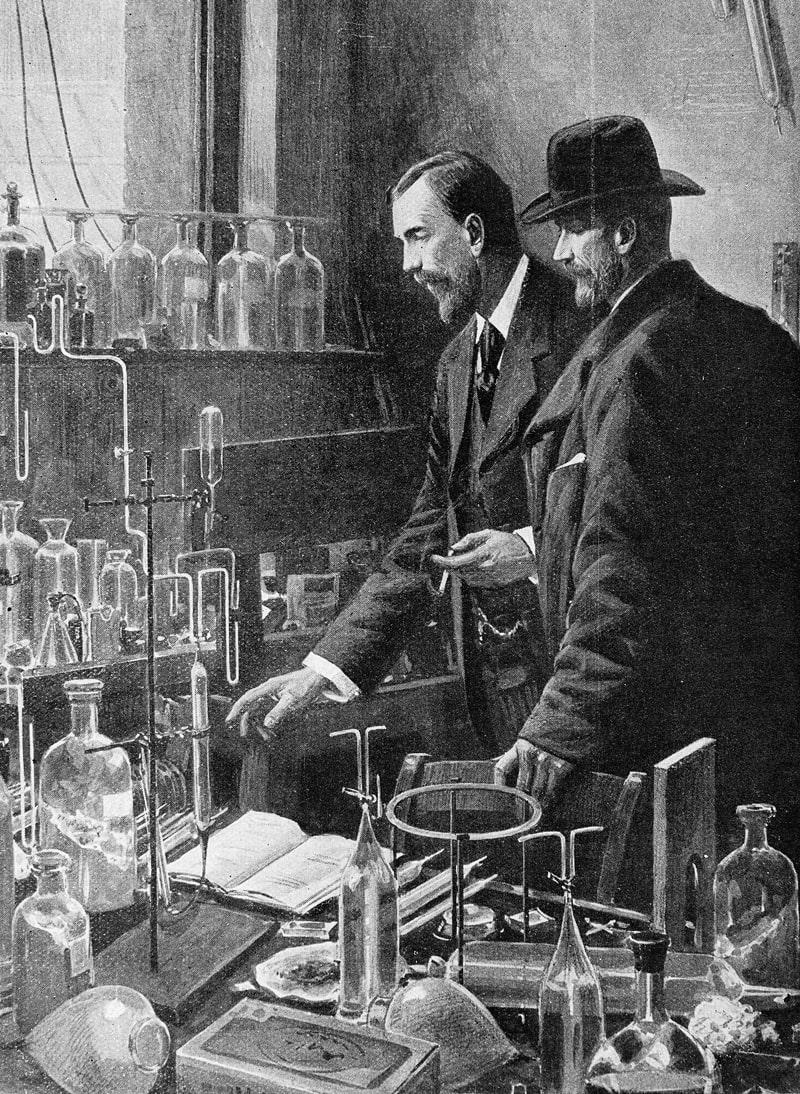 professor-ramzi-i-professor-kyuri-v-laboratorii