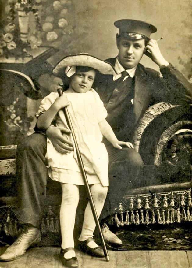 tatyana-peltczer-v-detstve-s-otczom