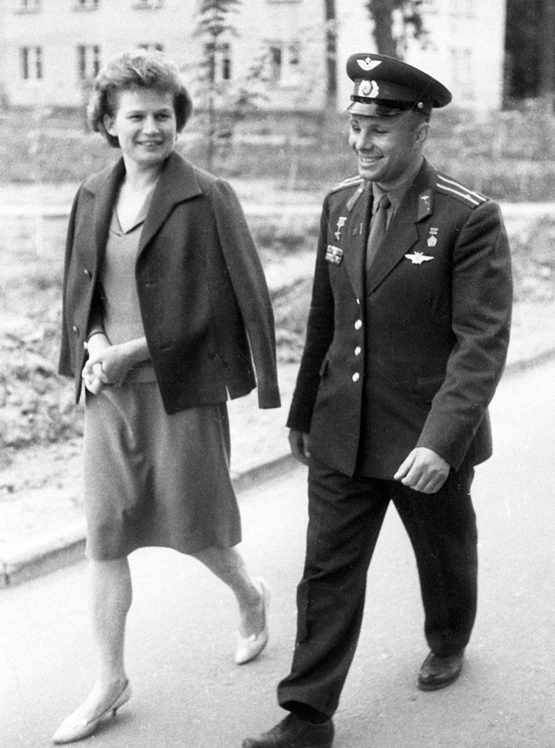 valentina-tereshkova-i-yurij-gagarin