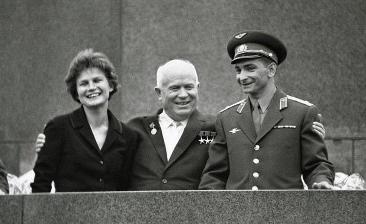 valentina-tereshkova-nikita-hrushhev-i-valerij-bykovskij