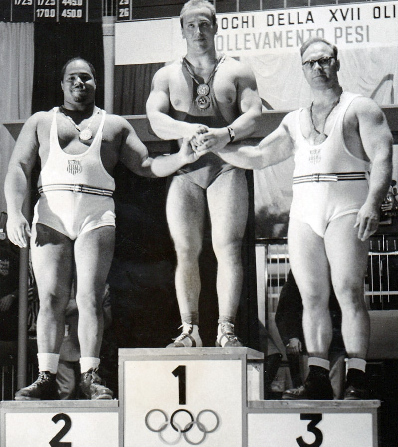 vlasov-na-pedestale-na-olimpijskih-igrah-1960