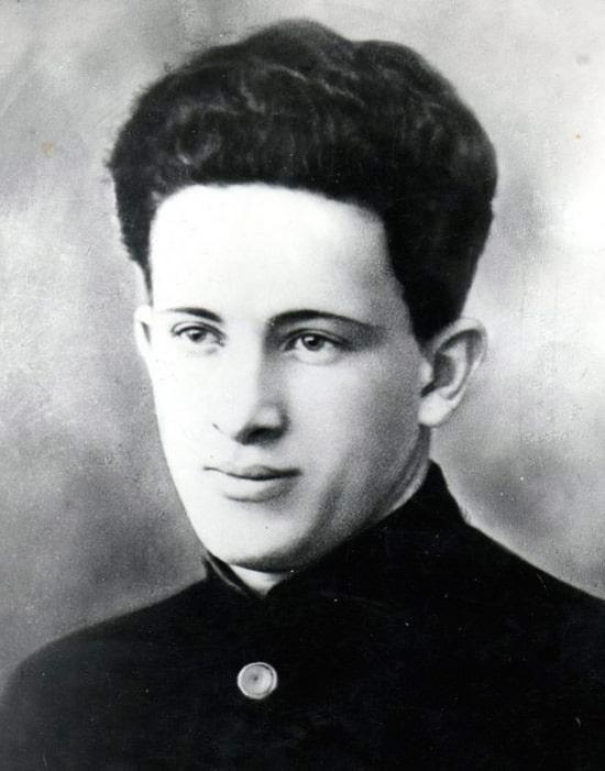 yurij-andropov-1