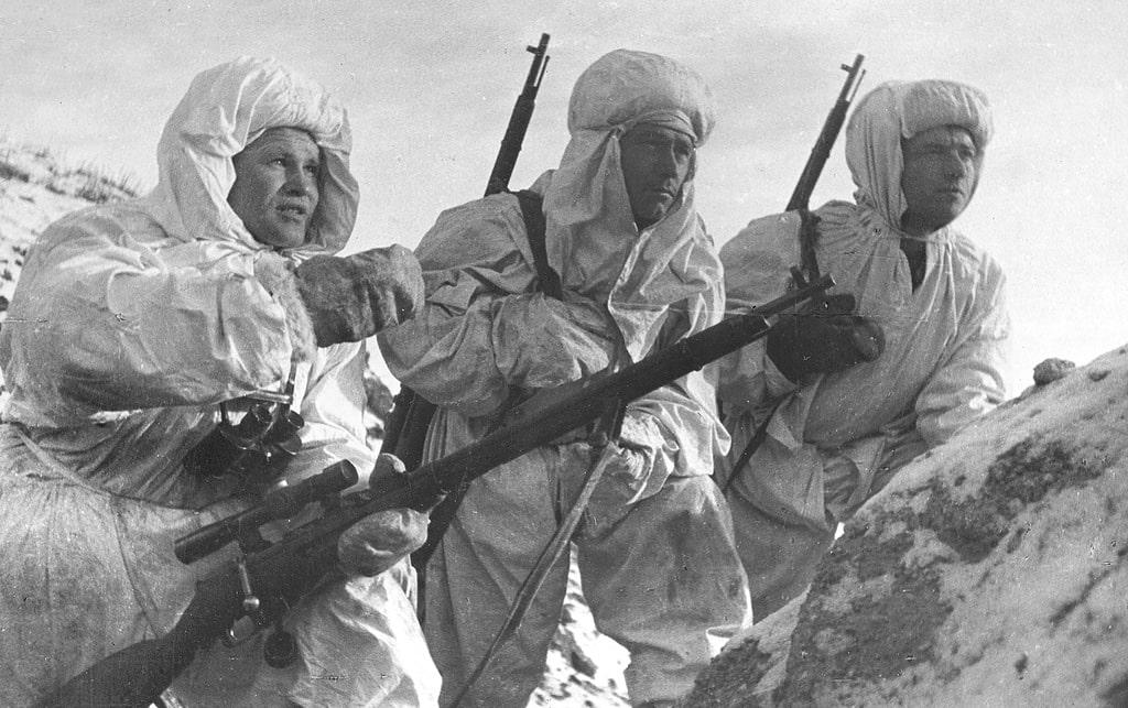 zajczev-obyasnyaet-novichkam-predstoyashhuyu-zadachu-stalingrad-1942-god