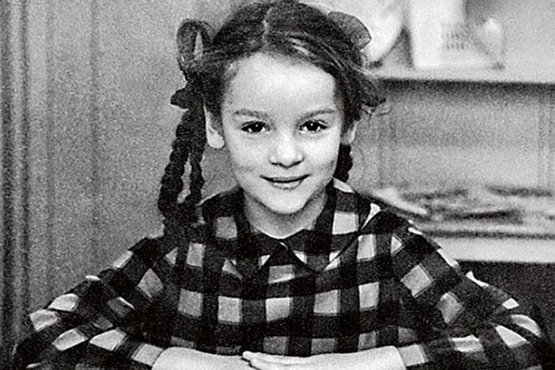 zhanna-epple-v-detstve