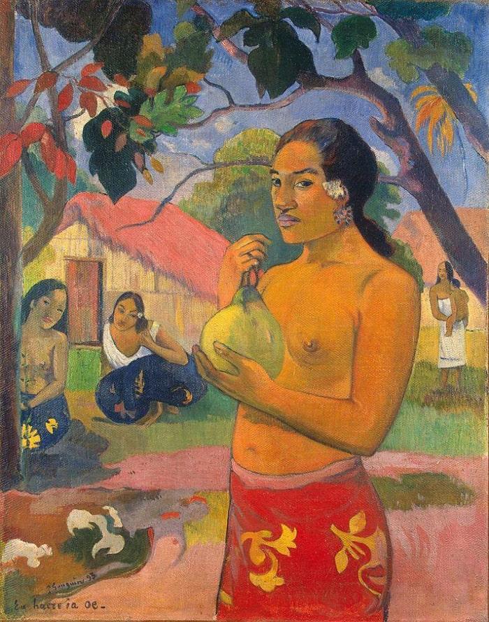 zhenshhina-derzhashhaya-plod
