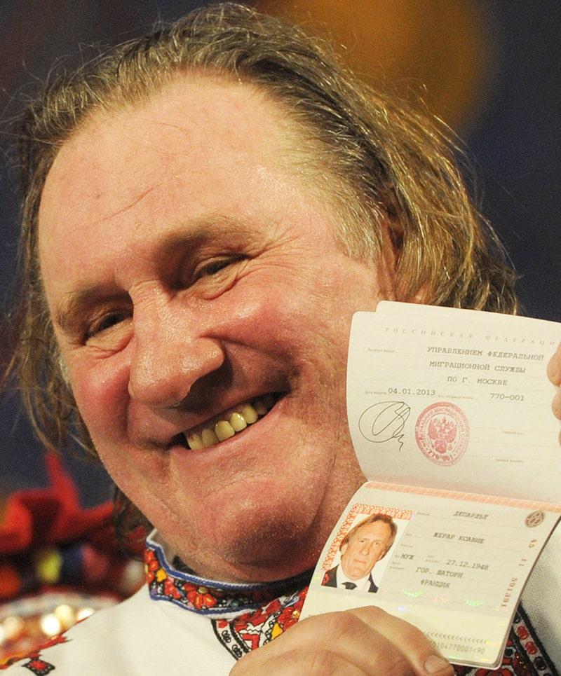 zherar-deparde-s-rossijskim-pasportom