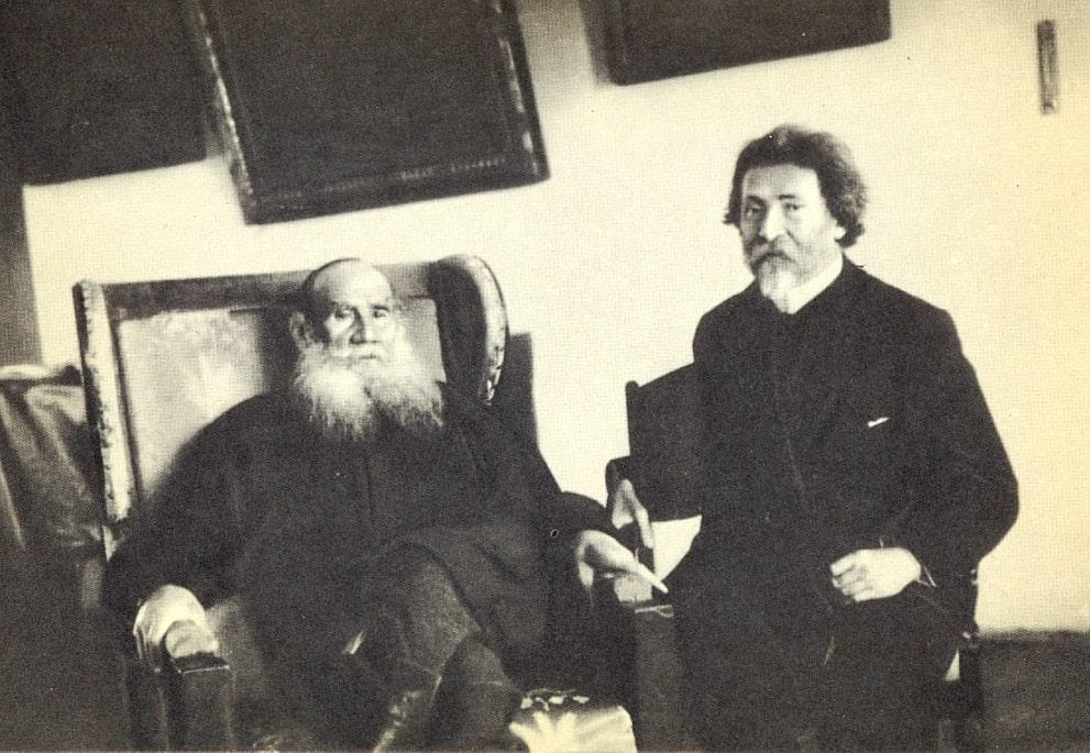 1905 Ясная Поляна. Л. Н. Толстой возвращается с купания на реке Воронке
