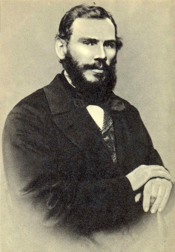 34-letniy-Lev-Tolstoy