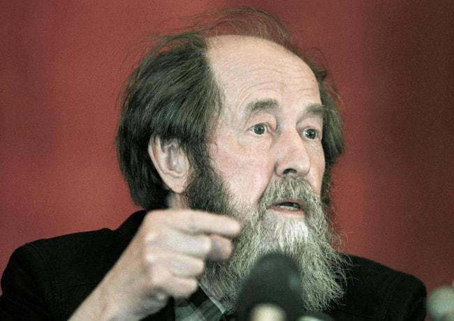 Biografiya-Solzhenitsyina-1