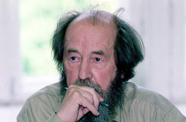 Biografiya-Solzhenitsyina-3