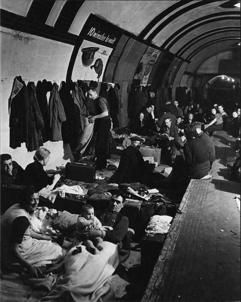 Bomboubezhishha-v-londonskom-metro.-Vtoraya-mirovaya-voyna-1