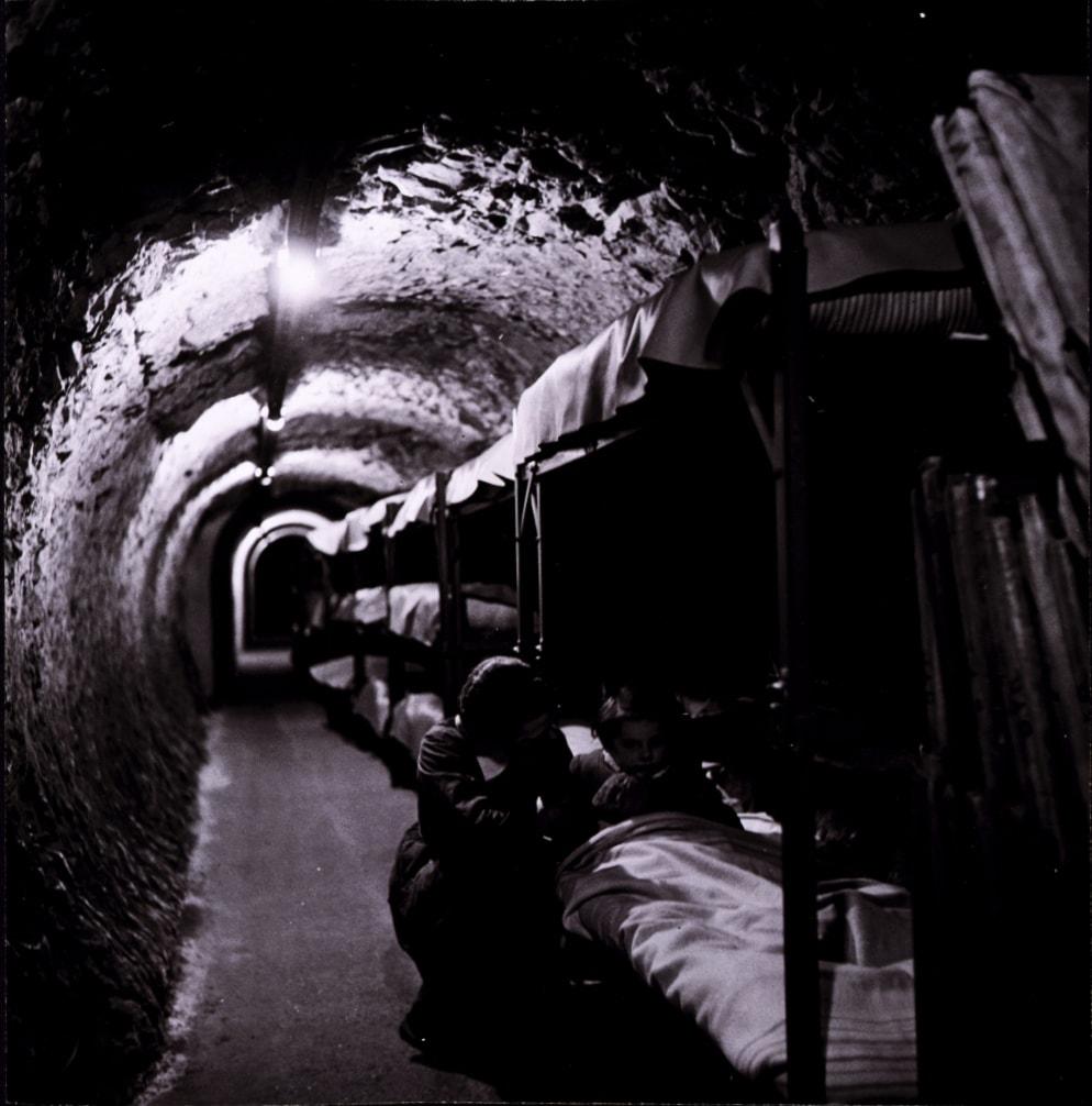 Bomboubezhishha-v-londonskom-metro.-Vtoraya-mirovaya-voyna-3