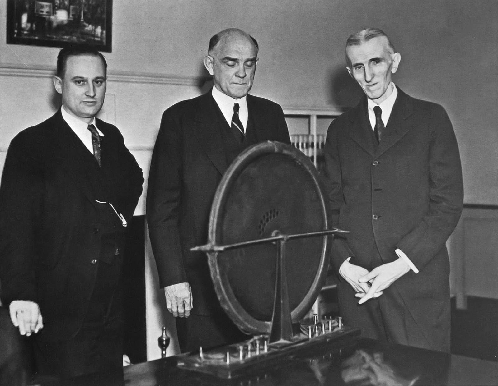Dzhon-T.-Morris-Viktor-Bim-i-Nikola-Tesla