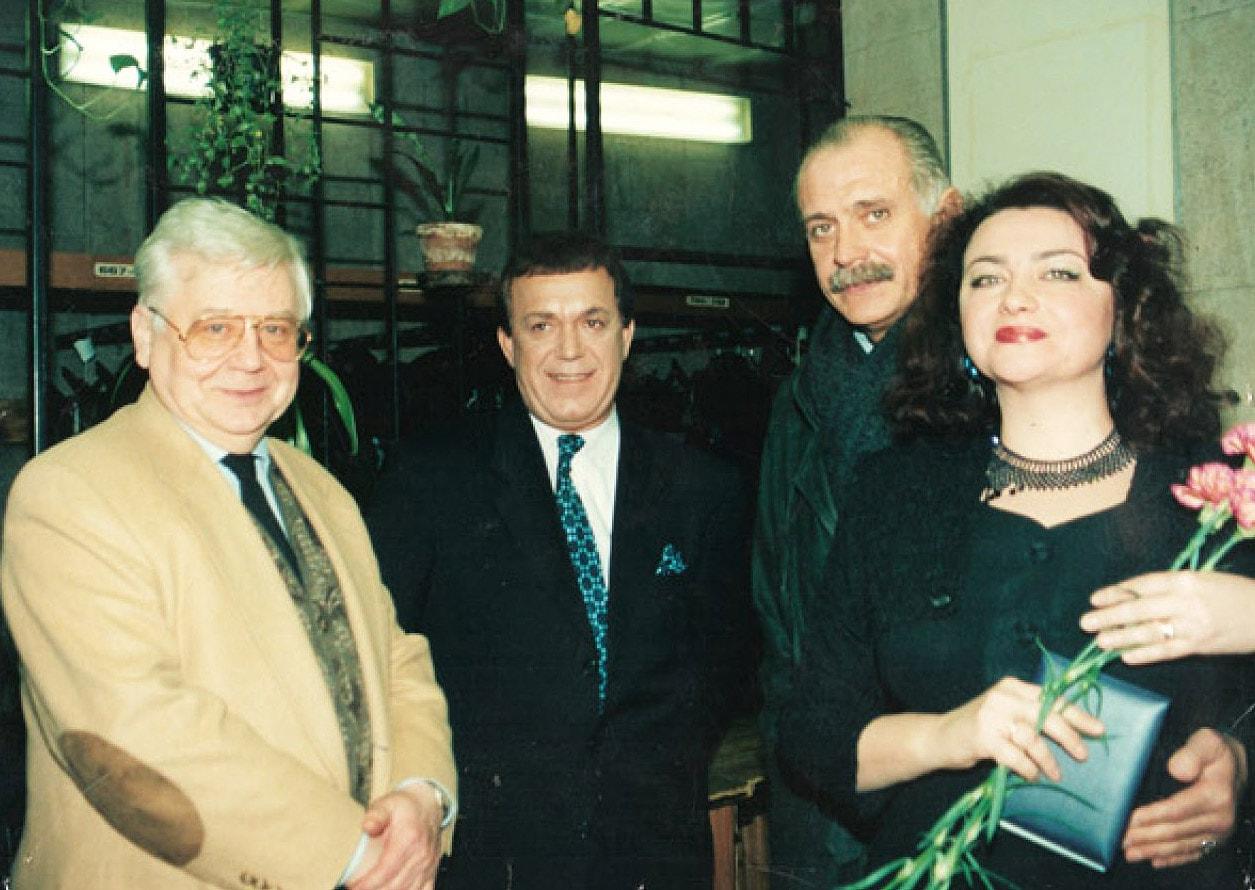 Foto-Kobzona-s-Nikitoy-Mihalkovyim-i-Olegom-Tabakovyim
