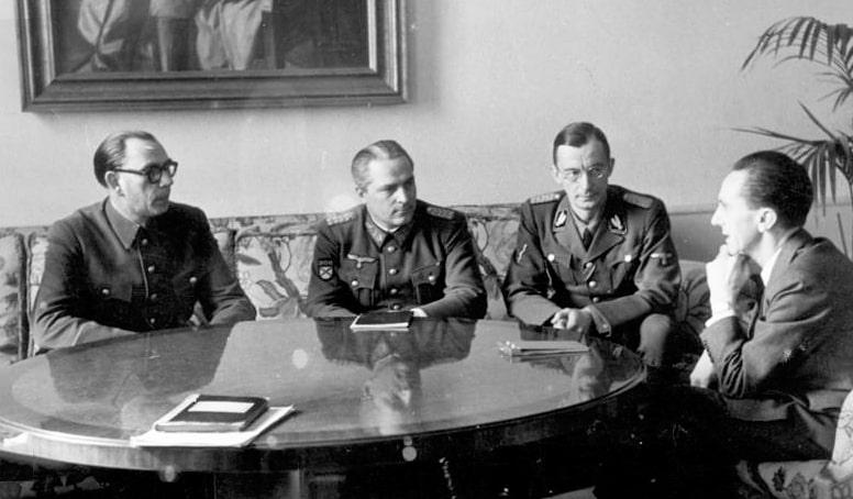 Generalyi-Vlasov-i-ZHilenkov-na-vstreche-u-Gebbelsa