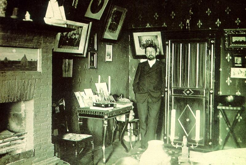 Чехов в своем кабинете в Ялте