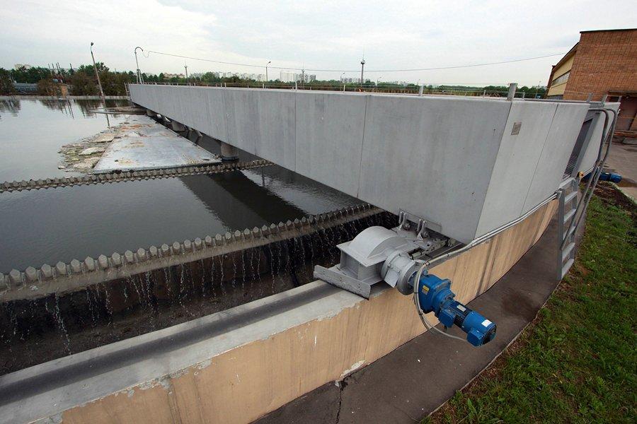 kuda-techet-kanalizatsiya-7