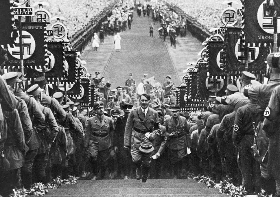 Massovyiy-miting-natsistov-v-Byukkeburge-1934-g