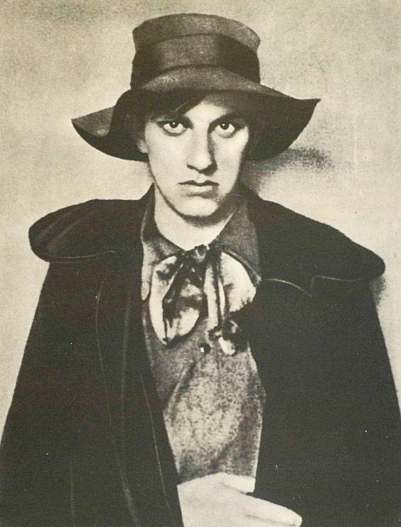 Mayakovskiy-v-1910-godu