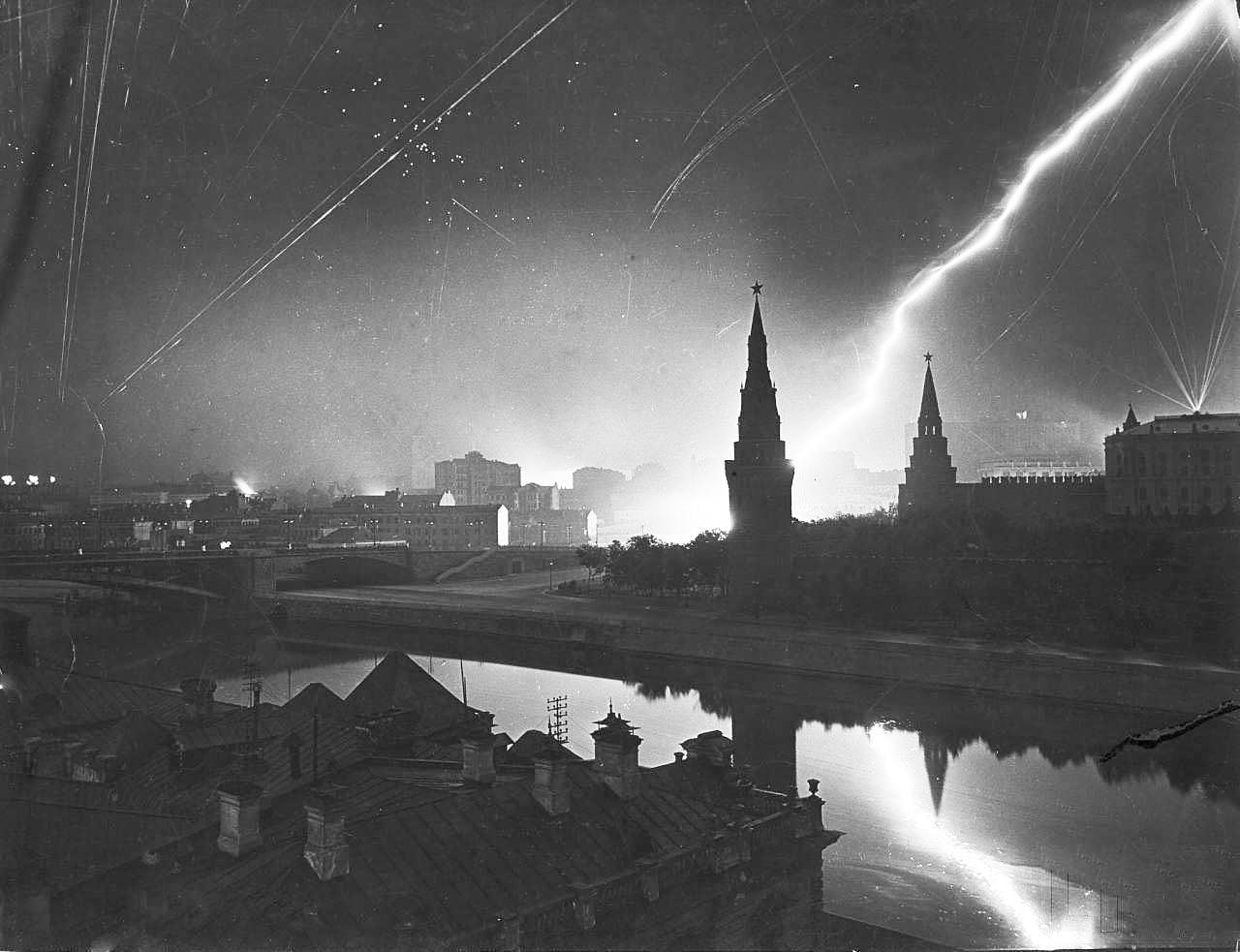 Nalet-nemetskoy-aviatsii-na-Moskvu-26-iyulya-1941-goda