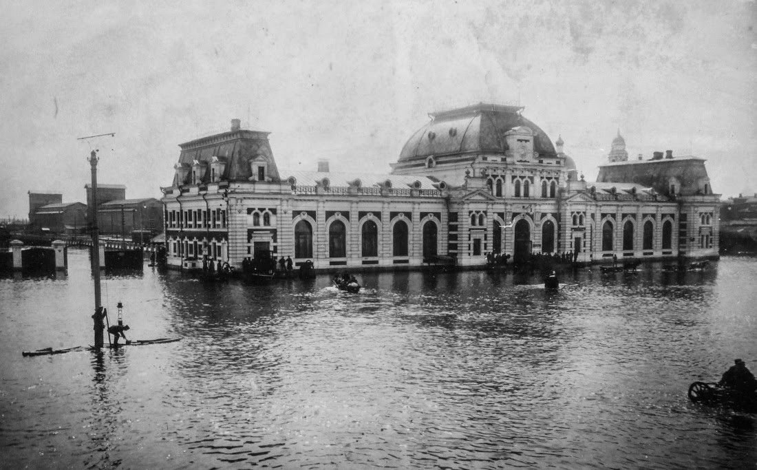 Paveletskiy-vokzal-vo-vremya-navodneniya-1908-goda