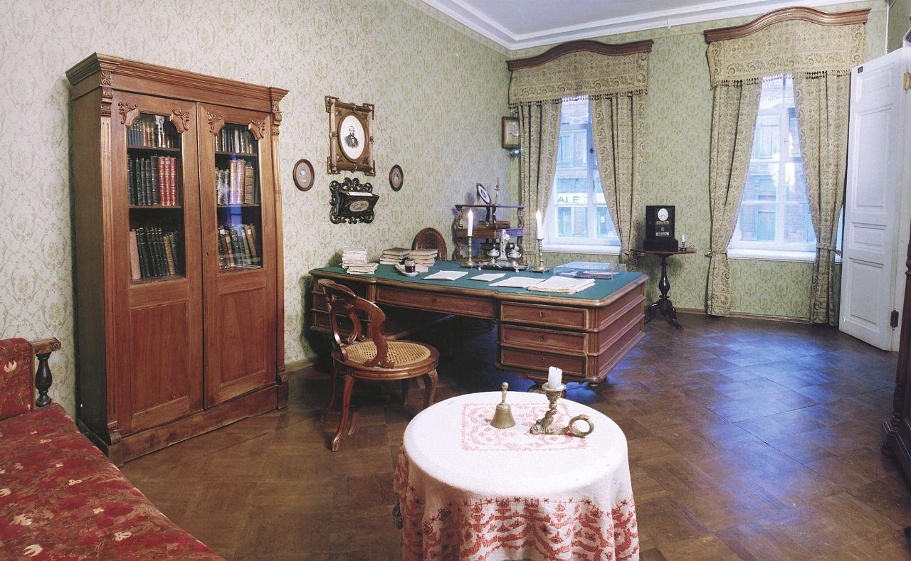 Rabochiy-kabinet-Dostoevskogo