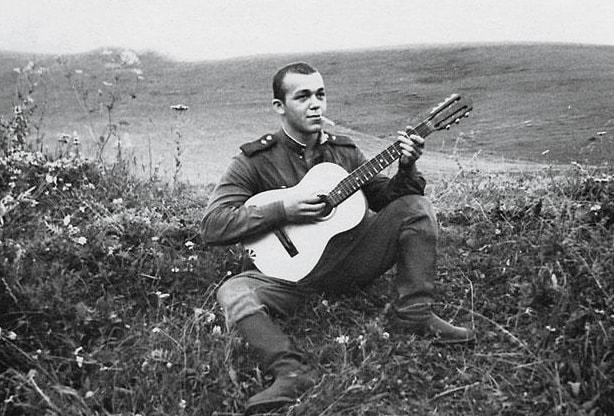 Ryadovoy-Iosif-Kobzon.-SSSR-1958-g.-1