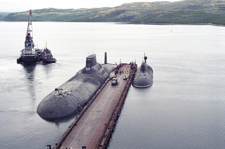 Samaya-bolshaya-podvodnaya-lodka-2
