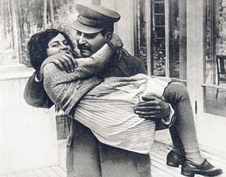 Stalin-s-docheryu-Svetlanoy-Alliluevoy
