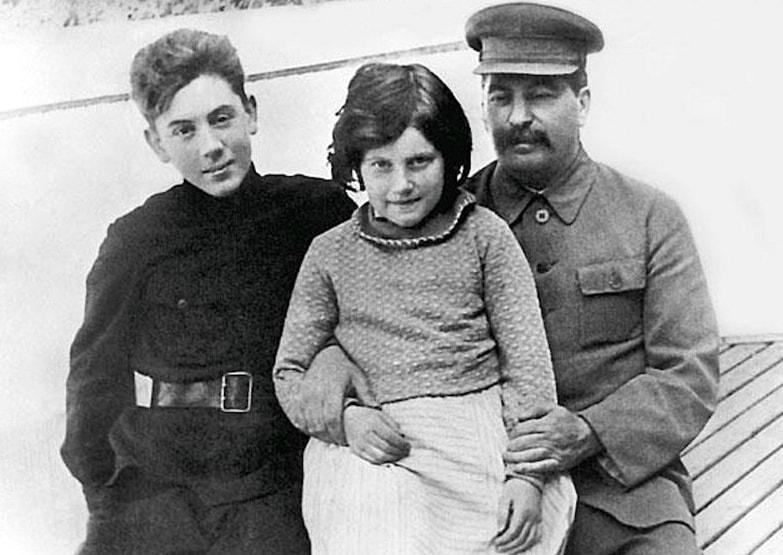 Stalin-so-svoimi-detmi-1
