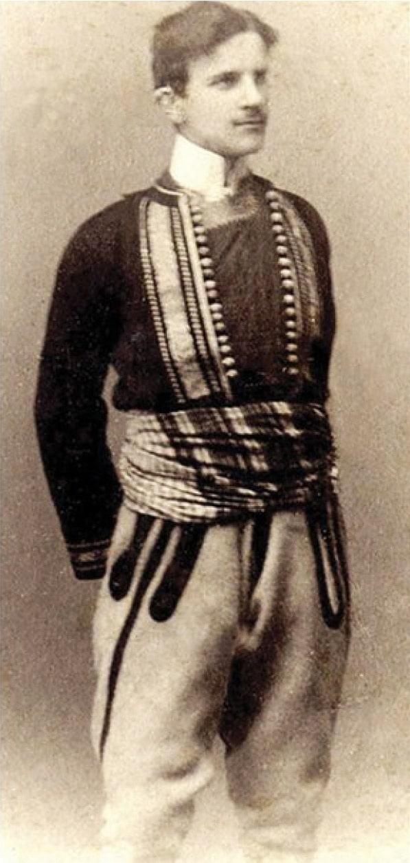 Tesla-v-narodnom-kostyume-1880