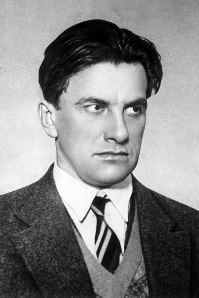 Vladimir-Mayakovskiy-10