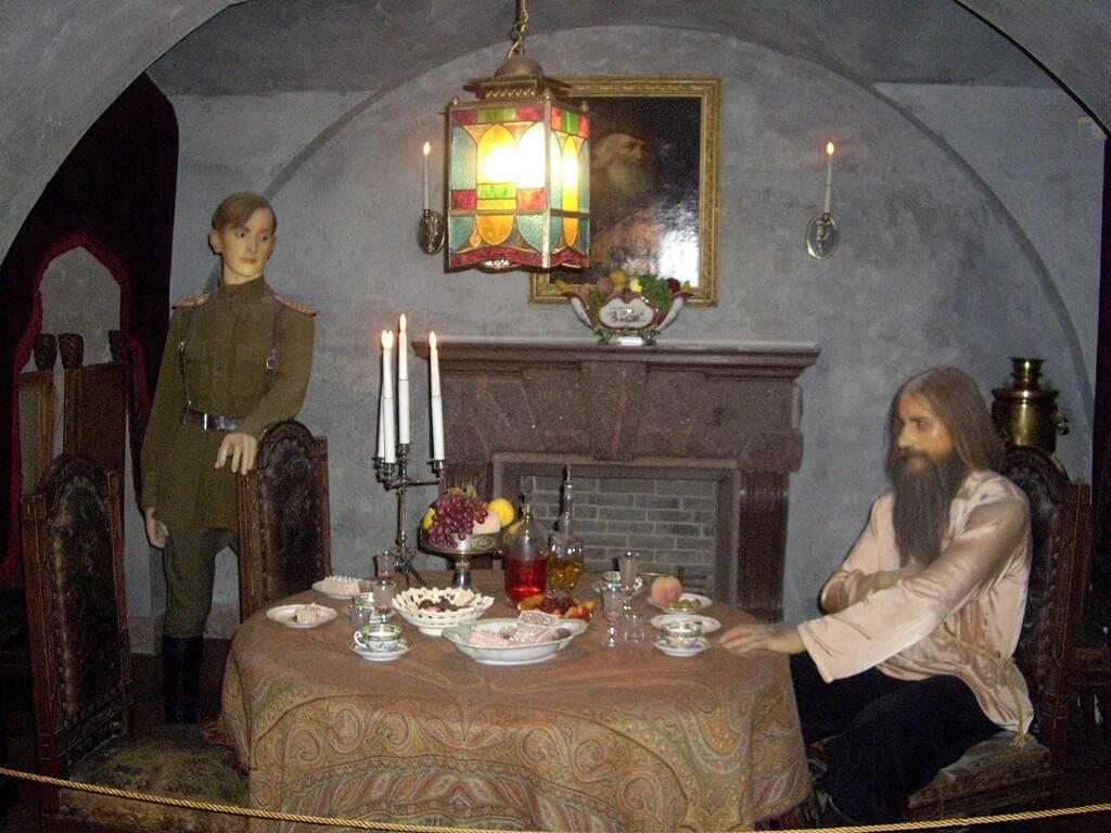 Vossozdanie-mesta-ubiystva-Grigoriya-Rasputina