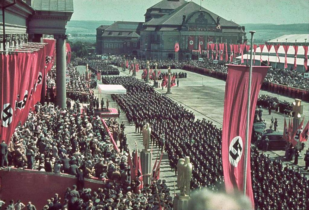 Vyistuplenie-Adolfa-Gitlera-vo-vremya-dnya-veteranov.-Kassel.-4-iyunya-1939